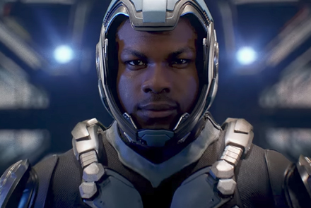 pacific-rim-uprising-john-boyega-suits-first-poster